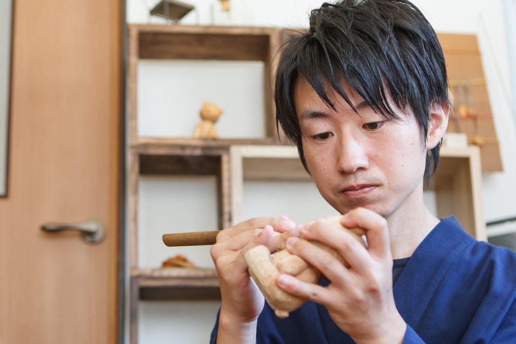 木彫家の大二郎と工房